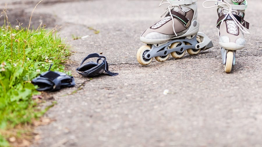 9 Rollerblade Tricks For Beginners A Step By Step Guide Jump On Wheels